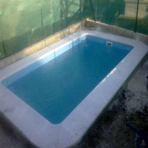 Piscina capricho 5 00 x 3 00 piscinas de poliester for Piscina cuadros leon