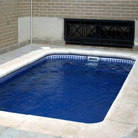 Piscinas piscinas de poliester venta y montaje for Costo de construir una piscina